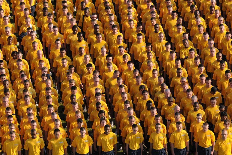 Società di massa e abbrutimento individuale