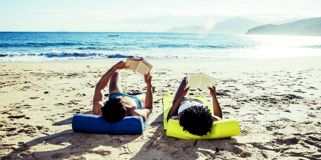 Vacanze, 5 libri da leggere sotto il solleone